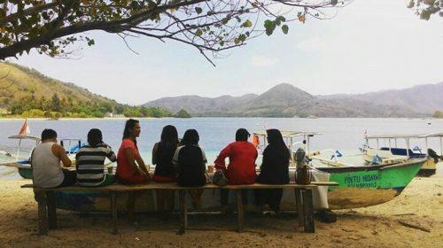 Gili Sudak Beach
