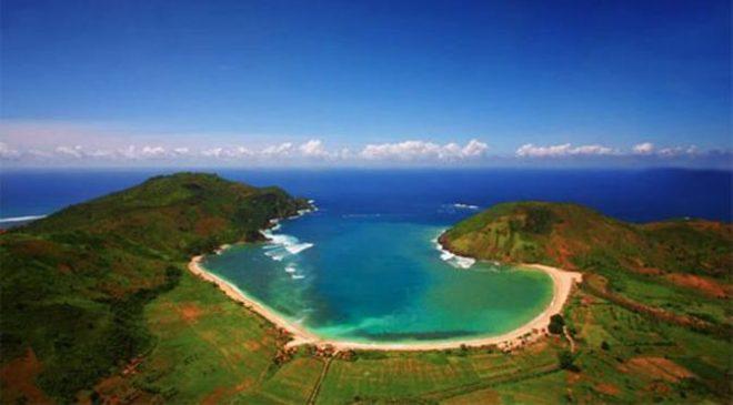 Teluk Mawun dari atas udara