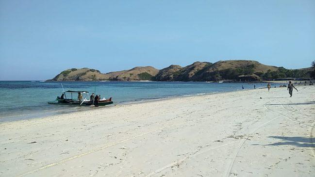 Teluk Tanjung Aan Lombok