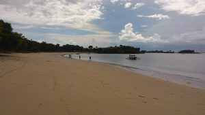 Pantai Pink pada sore hari