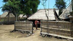 rumah adat Gumantar