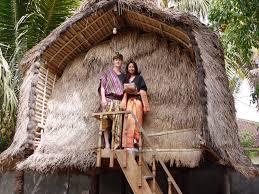 Tenun desa Sukarara