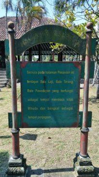 Penjelasan lokasi di taman Narmada