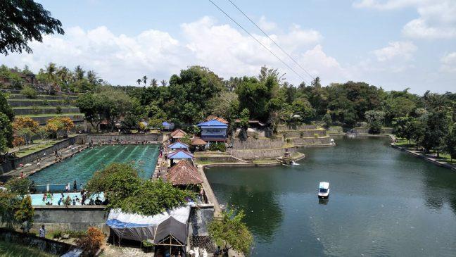 Kolam renang Taman Narmada