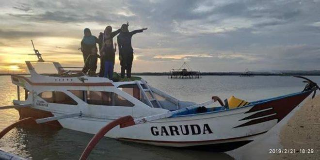 Boat Trip panatai Pink Lombok