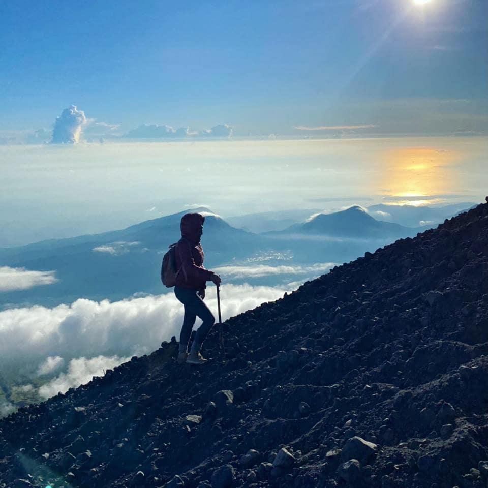 trekking puncak